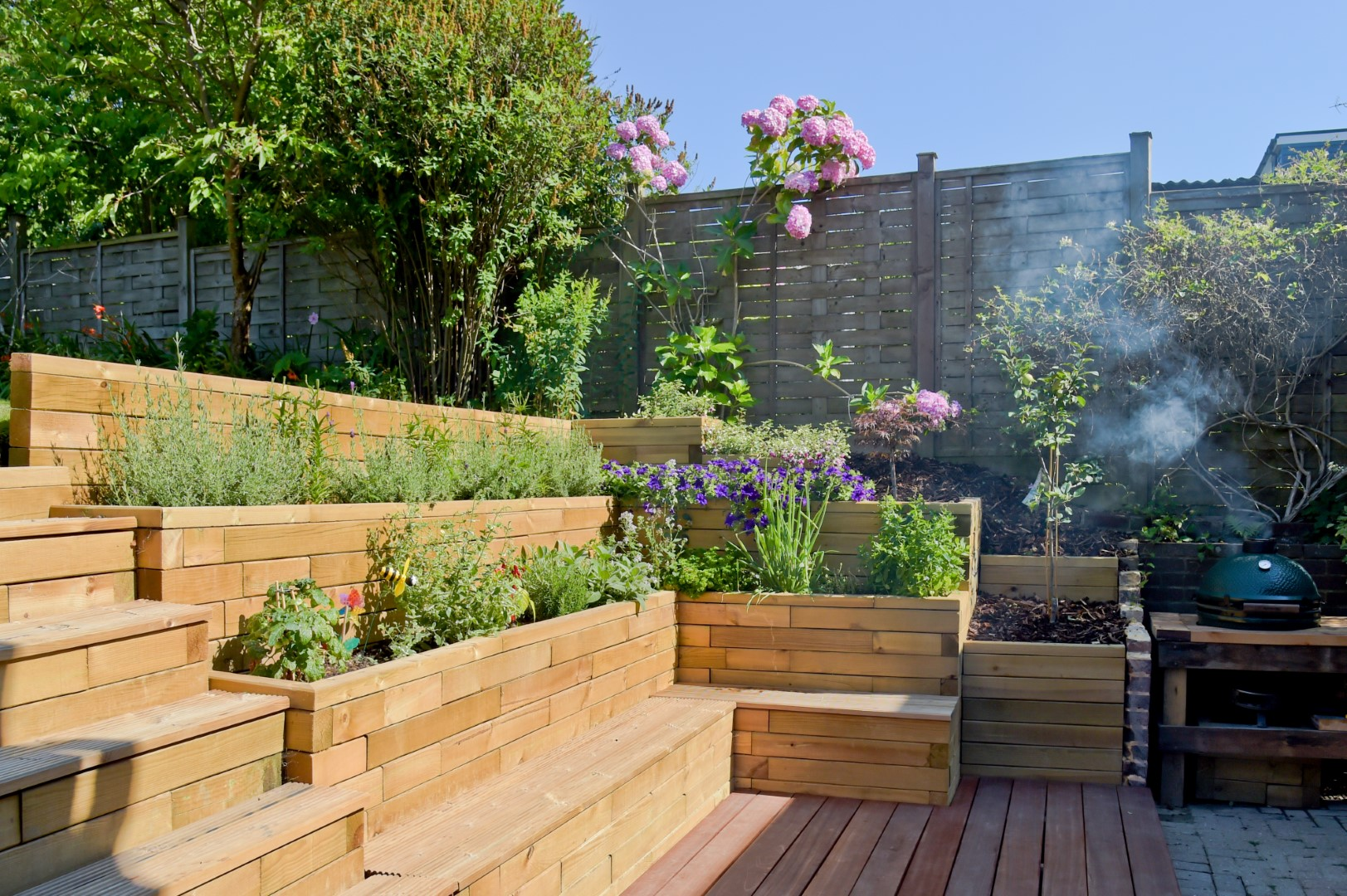 Redesign Your Garden Easily With The Woodblocx Modular System