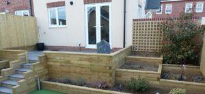 Small garden ideas - Raised garden beds and planters